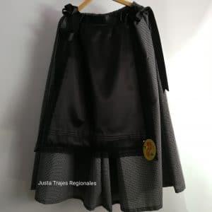 Falda de vieja